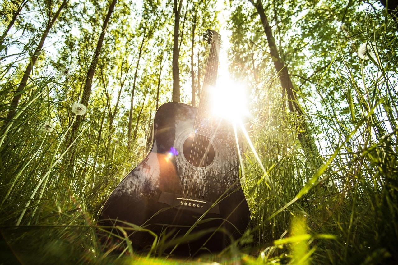 Gitary akustyczne Yamaha Bamboo